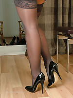 stilettoetease.com the ultimate women teasing you with their high heels and stilettos