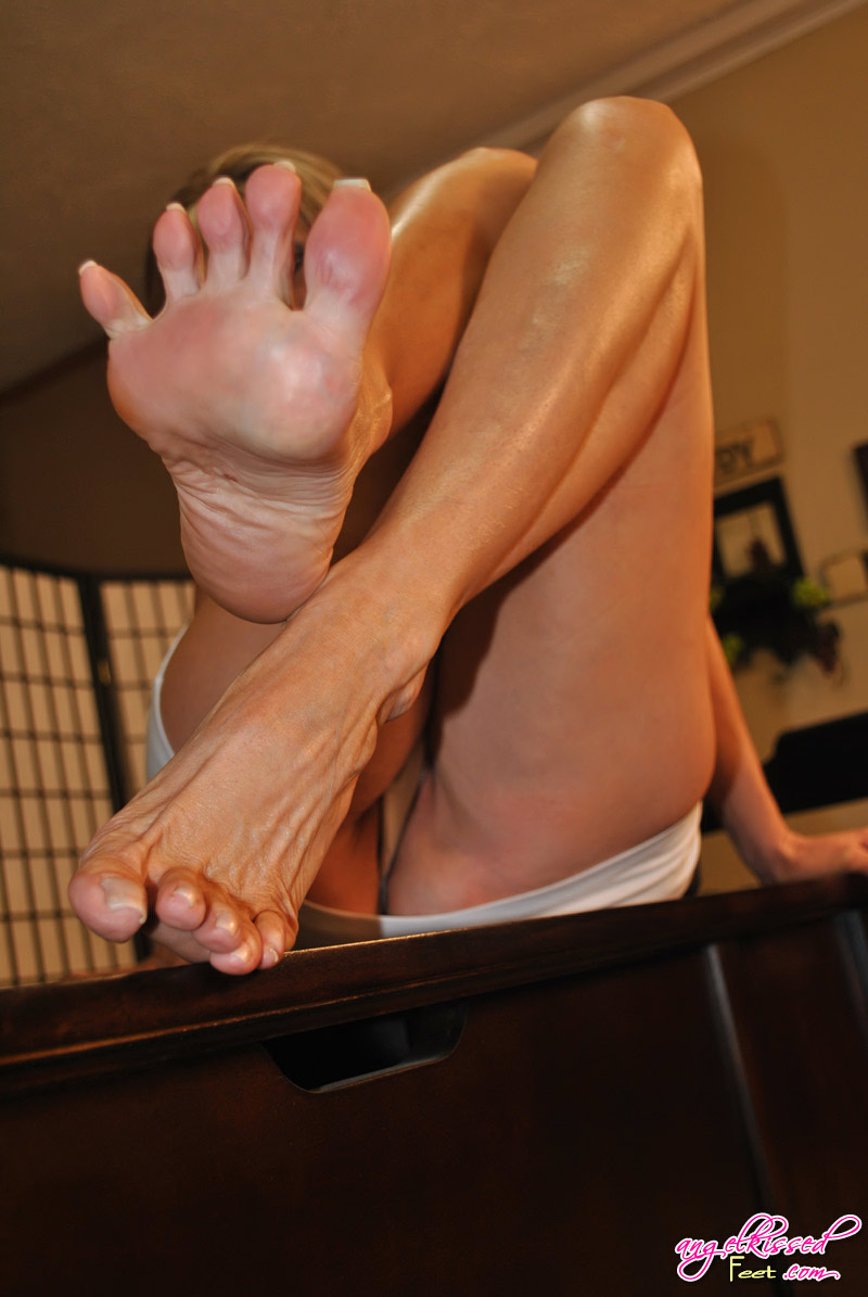 Staggering scenes of raw porn during some of the best foot fetish videos that are by watching all the videos included in a fast streaming and with great image.
